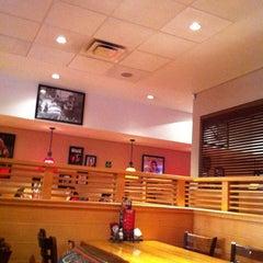 Photo taken at Applebee's by Felo V. on 9/1/2012
