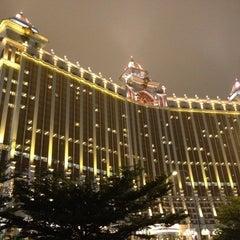 Photo taken at Galaxy Macau 澳門銀河渡假綜合城 by Yemen N. on 4/10/2012