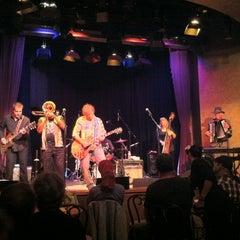 Photo taken at Yoshi's Jazz Club & Japanese Restaurant by Peter I. on 8/4/2012