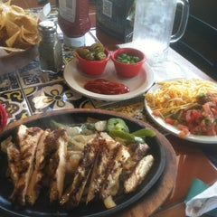Photo taken at Chili's Grill & Bar by Kenny D. on 3/14/2012