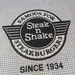 Photo taken at Steak 'n Shake by Douglas F. on 1/19/2013