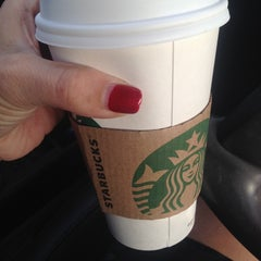 Photo taken at Starbucks by Zelda O. on 10/9/2013