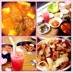Photo taken at Seoul Garden by Chyi I. on 10/25/2014