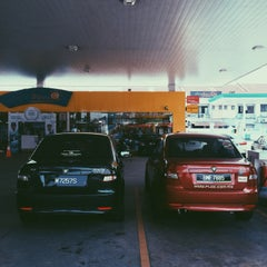 Photo taken at PETRONAS Station by husnan r. on 3/3/2015