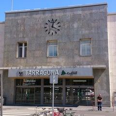 Photo taken at Estació de Tarragona by Pepe M. on 5/4/2013