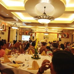 Photo taken at Planta Centro Bacolod Hotel & Residences by Ysh t. on 9/7/2014
