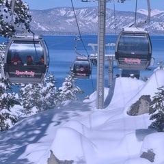 Photo taken at Heavenly Gondola by Leno X. on 12/27/2012