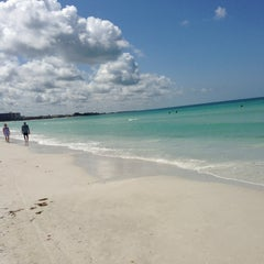 Photo taken at Siesta Key Beach by David B. on 5/21/2013