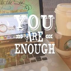 Photo taken at Starbucks by Kimberly V. on 5/15/2013