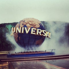 Photo taken at ユニバーサル・スタジオ・ジャパン (Universal Studios Japan / USJ) by Ryosuke A. on 10/28/2012