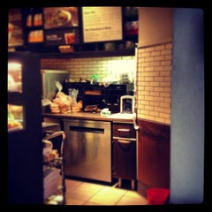 Photo taken at Starbucks by Manny G. on 7/8/2013