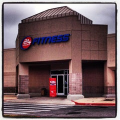 Photo taken at 24 Hour Fitness by Joe S. on 12/10/2012