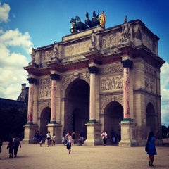 Photo taken at Arc de Triomphe du Carrousel by Chris A. on 7/26/2013