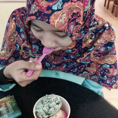 Photo taken at Baskin Robbins by Faiz N. on 1/13/2015