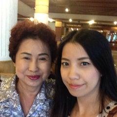 Photo taken at Pailyn Hotel (โรงแรม ไพลิน) by BiiGZa G. on 11/7/2014