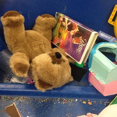 Photo taken at Goodwill Outlet by Shy M. on 9/14/2013