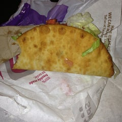 Photo taken at Taco Bell by Mario S. on 2/11/2013