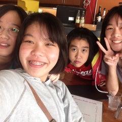Photo taken at ESCAPE Bistro & Café by Byunpun on 3/30/2015