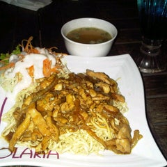 Photo taken at Solaria by Yustiandy N. on 4/4/2013