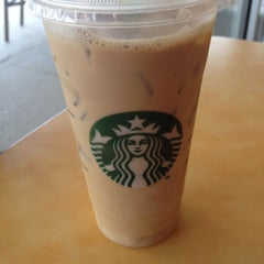 Photo taken at Starbucks by Ray K. on 9/5/2014