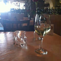 Photo taken at Bravo Italian Restaurant by Kristin B. on 4/20/2013
