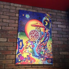 Photo taken at Mellow Mushroom by Michael P. on 9/27/2013