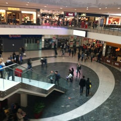 Photo taken at Arndale Shopping Centre by Emrah P. on 1/26/2013