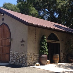 Photo taken at Hearthstone Vineyard and Winery by Keisha A. on 7/3/2015