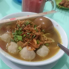 Photo taken at Bakso Amat by Yenie A. on 4/1/2015