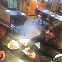 Photo taken at Gourmet Burger Kitchen by Lukasz Z. on 11/22/2014
