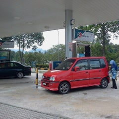 Photo taken at Caltex by Mkn A. on 8/5/2013