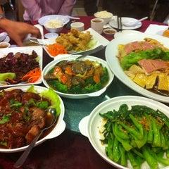 Photo taken at Wong Kok Restaurant @ Penampang by Juliana T. on 2/21/2013