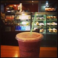 Photo taken at Starbucks by Sol on 11/8/2013