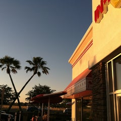 Photo taken at In-N-Out Burger by Rich V. on 5/20/2013