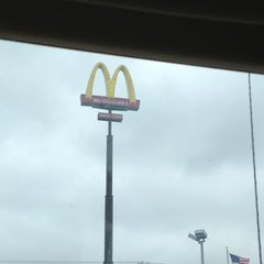 Photo taken at McDonald's by Benecia Renee W. on 3/18/2013