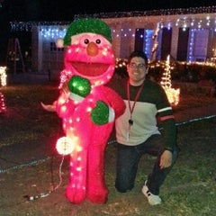 Photo taken at Windcrest Rd Xmas Lights by Isaac C. on 12/13/2012