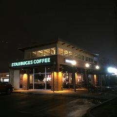 Photo taken at Starbucks by David H. on 12/23/2014
