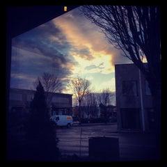 Photo taken at Starbucks by Joga L. on 11/17/2013
