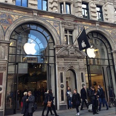 Photo taken at Apple Store, Regent Street by Peter B. on 1/30/2013