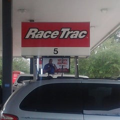 Photo taken at RaceTrac by bob k. on 12/27/2013