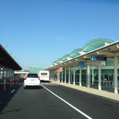 Photo taken at Baggage Claim - Long Island MacArthur Airport (ISP) by Steven B. on 10/5/2012