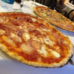 Photo taken at Pizzeria da Totò by Piermichele G. on 6/12/2014