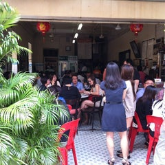 Photo taken at Yut Kee Restaurant (镒记) by Julian W. on 7/16/2013