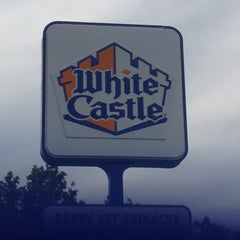 Photo taken at White Castle by Lisa B. on 7/13/2014