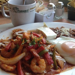 Photo taken at Panama Restaurant y Pasteleria by jck on 4/19/2013