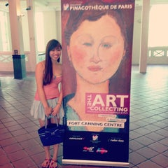 Photo taken at Singapore Pinacotheque De Paris by baochuan 宝. on 12/15/2013