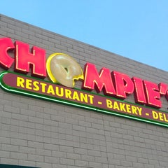 Photo taken at Chompie's Deli by Victor G. on 3/20/2013