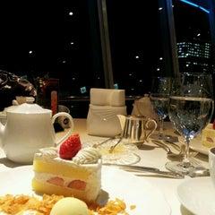 Photo taken at 銀座スカイラウンジ by MulberryFeild代表 M. on 12/10/2012