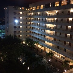 Photo taken at Hatyai Paradise & Resort Hotel (โรงแรมหาดใหญ่พาราไดร์แอนรีสอร์ท) by aimi a. on 12/25/2015