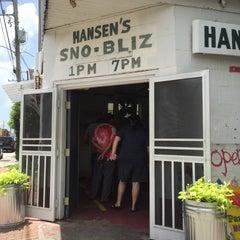 Photo taken at Hansen's Sno-Bliz by Tam G. on 6/16/2015